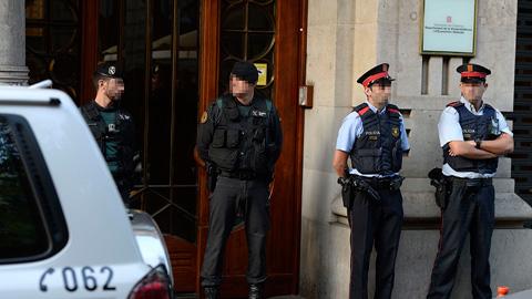 La Guardia Civil registra varias sedes de la Generalitat de Cataluña por el referéndum del 1-O