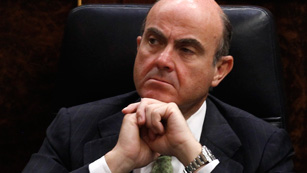 Guindos confirma que los compradores de preferentes de bancos rescatados no recuperarán su inversión