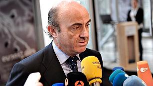 """De Guindos asegura que el nuevo presupuesto de España """"va a convencer"""""""