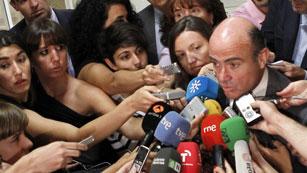 De Guindos descarta un rescate a España