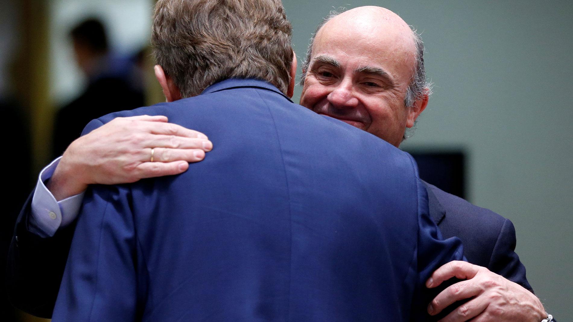 """Ir al VideoDe Guindos sobre su nombramiento para el BCE: """"La señal que se va a dar con mi dimisión es de independencia"""""""