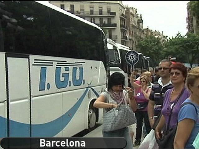 España Directo - Hartos de los autobuses turísticos