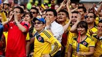 Ir al VideoLos hinchas colombianos culpan a Velasco Carballo