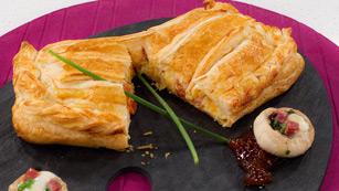 Saber Cocinar - Hojaldre relleno de verduras a la crema con huevos de codorniz y jamón