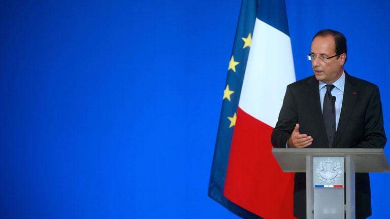 """Hollande pide a la oposición siria que cree un """"gobierno provisional"""""""