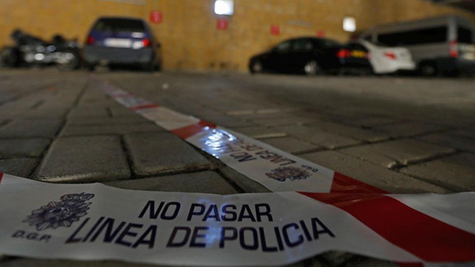 Un hombre mata presuntamente a su pareja en una nave del aeropuerto de Sevilla