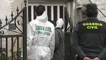 Ir al VideoUn hombre ha sido detenido en Pontevedra en relación con la muerte violenta de su mujer