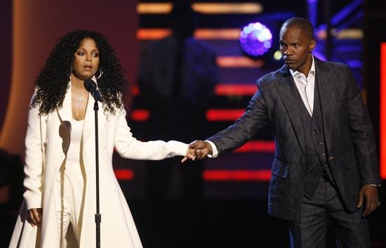 En Los Ángeles, la gala anual de la música negra, rindió homenaje a Michael Jackson