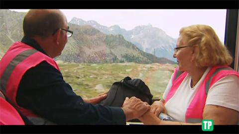 Los huéspedes viajan en el Bernina Express