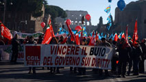 Ir al VideoHuelga general en Italia contra la reforma laboral que impulsa Matteo Renzi