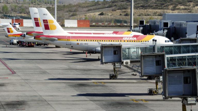 La primera de las 30 jornadas de huelga de pilotos de Iberia deja 124 vuelos cancelados