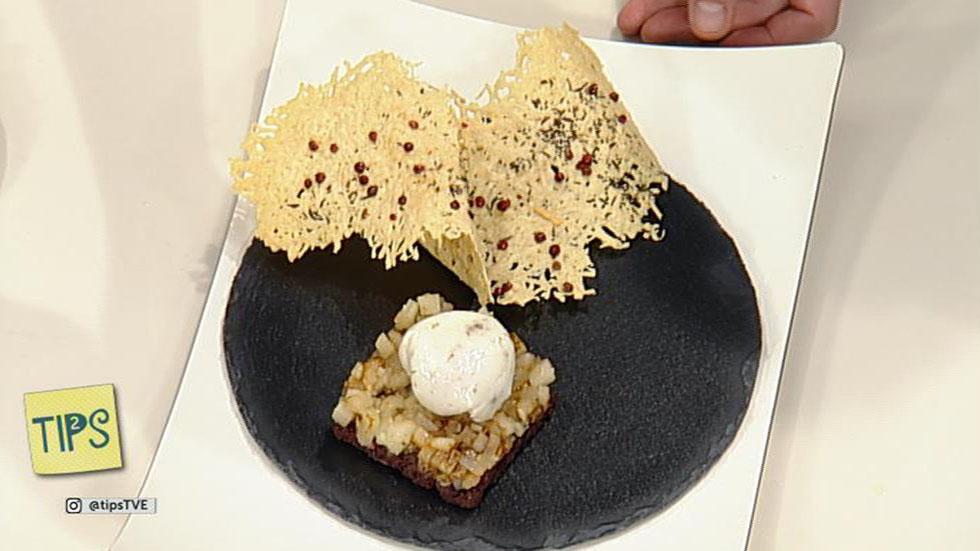 TIPS - Cocina - Huevos escalfados con morcilla y pera