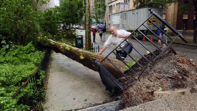 El huracán 'Irene' llega a Nueva York convertido en tormenta tropical