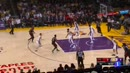 Ir al VideoIbaka se sale ante los Lakers, que acaban abucheados