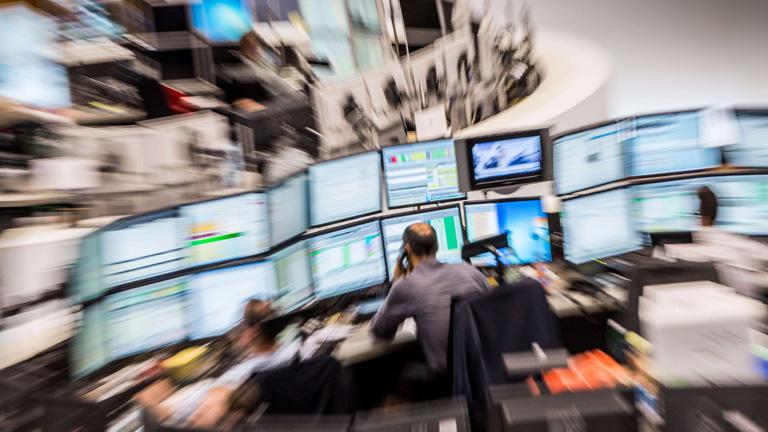 El IBEX 35 cae un 1,72% y cierra en su mínimo anual