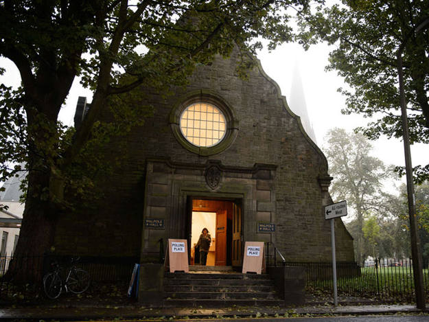Una iglesia en Escocia convertida en colegio electoral