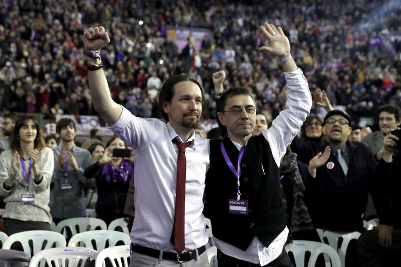 Iglesias y Monedero celebran los resultados