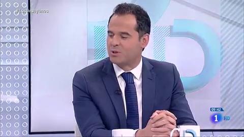 """Ir al VideoIgnacio Aguado, dispuesto a reunirse con Vox y a que firmen si quieren el acuerdo """"cerrado"""" con el PP"""