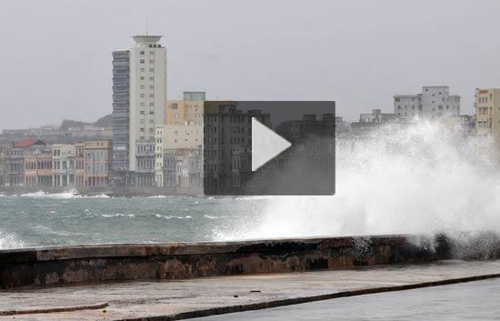 El huracán 'Ike' deja atrás Cuba y 'perdona' a La Habana