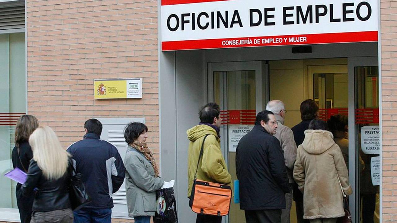 El n mero de parados registrados baj en personas for Oficina electronica sepe