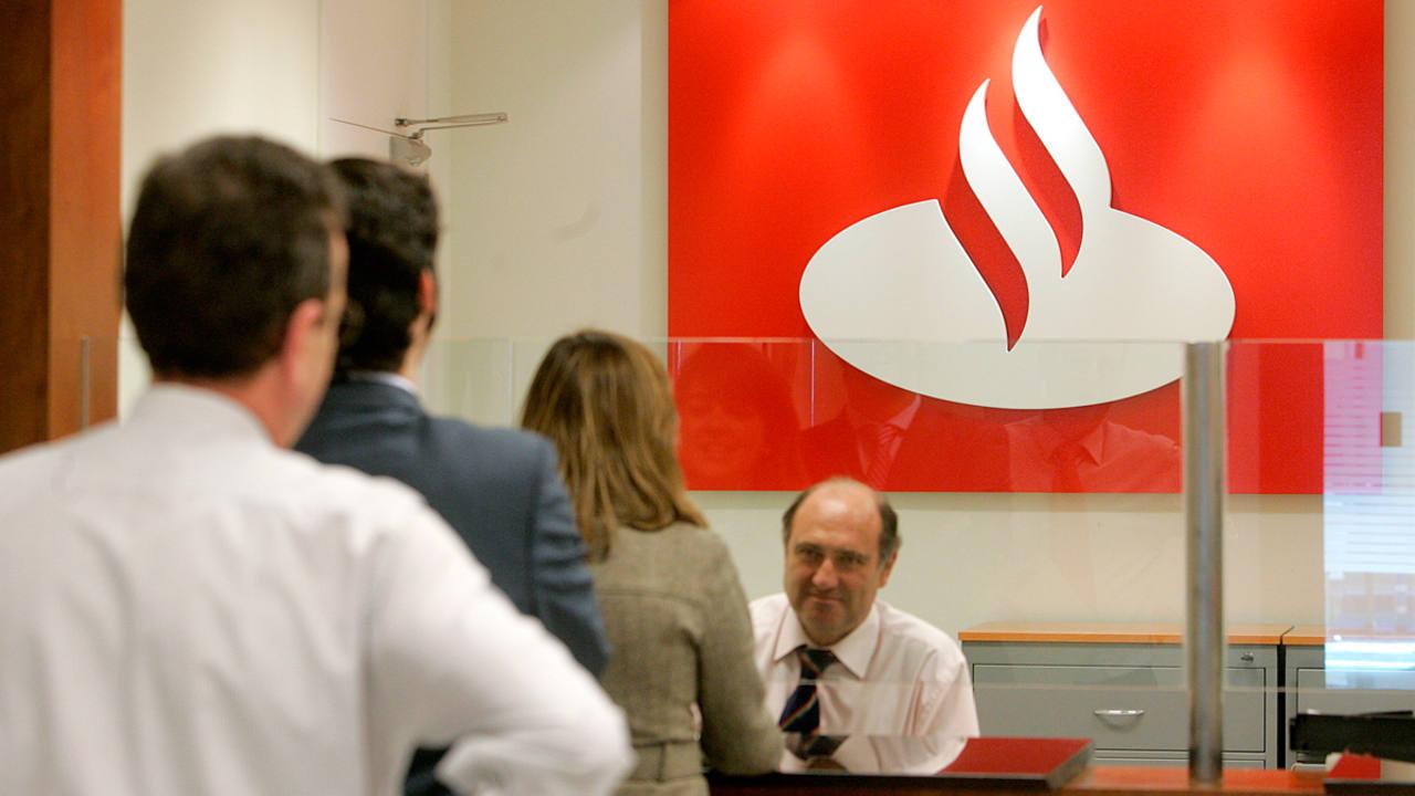 El banco santander anuncia una reducci n de su plantilla y for Banco santander abierto sabado madrid