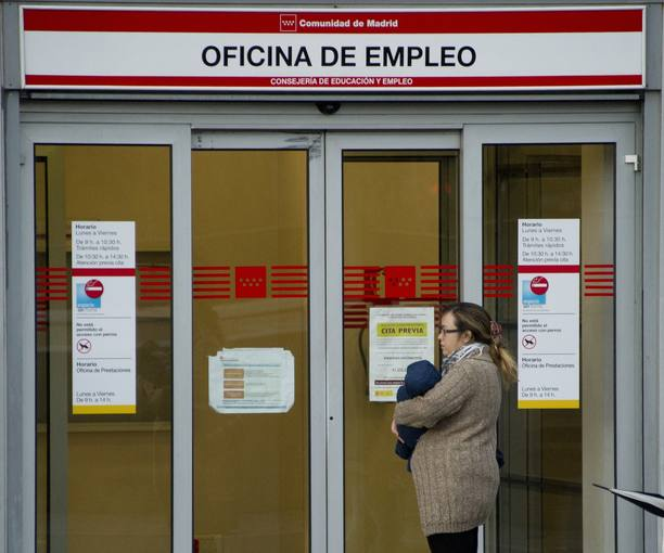 La cobertura de los parados cae al 61 en diciembre con 2 for Oficina de turismo de la comunidad de madrid