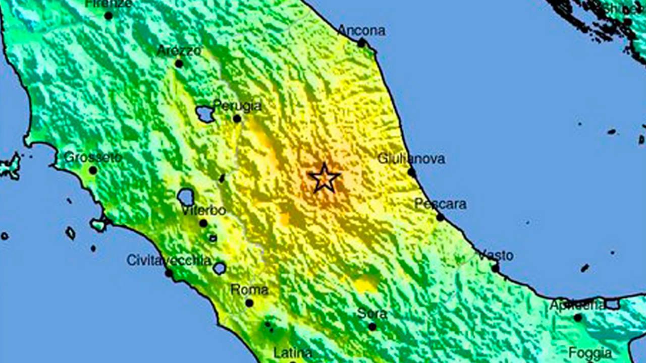 Imagen cedida por el Servicio Geológico de Estados Unidos (USGS) donde se ve el epicentro de un terremoto de magnitud 6.2 que ha golpeado el centro de Italia.