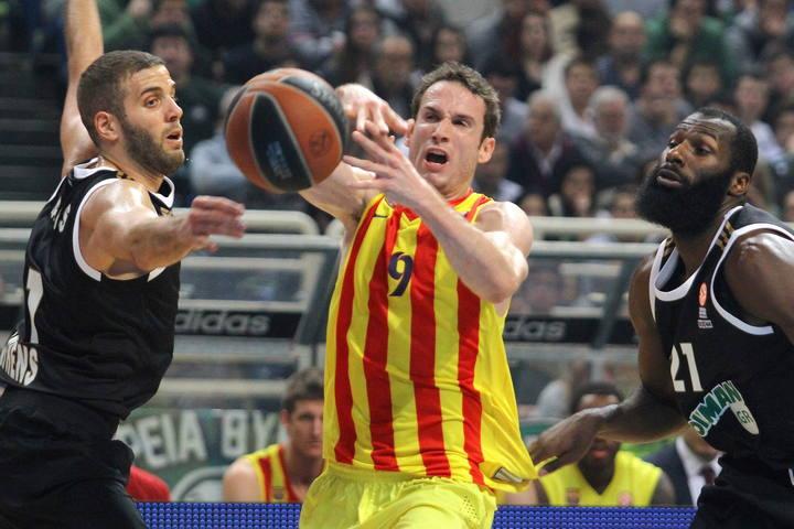 Imagen del base del FC Barcelona Marcelinho Huertas durante el partido.