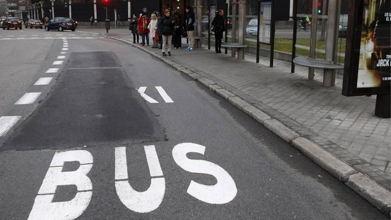 Imagen del carril bus en el Paseo de la Castellana de Madrid