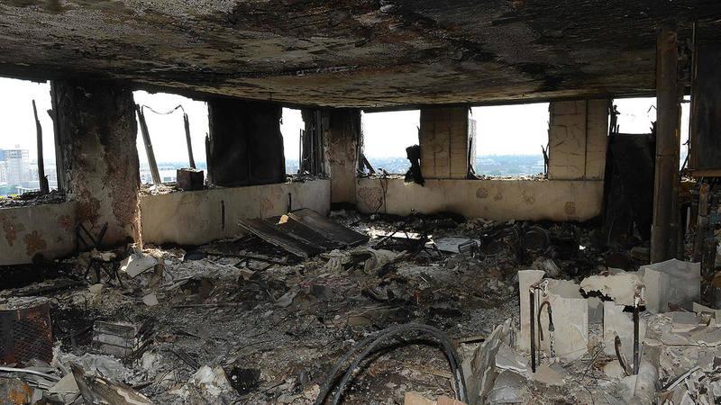 Imagen, facilitada por la Policía de Londres, del interior de la Torre Grenfell tras el incendio