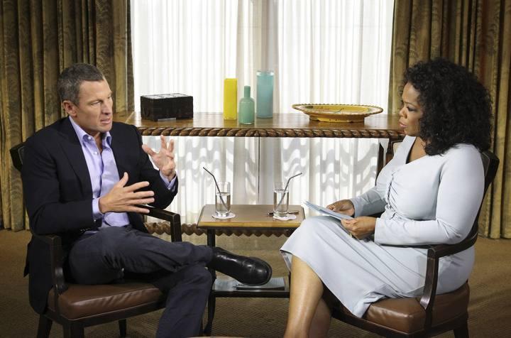 Imagen de un momento de la entrevista concedida por Lance Armstrong a Oprah Winfrey