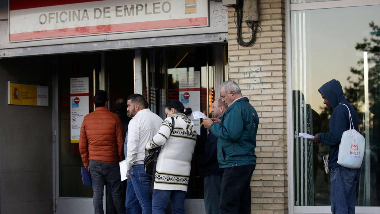El n mero de parados registrados baj en noviembre en 27 for Oficina de empleo madrid inem