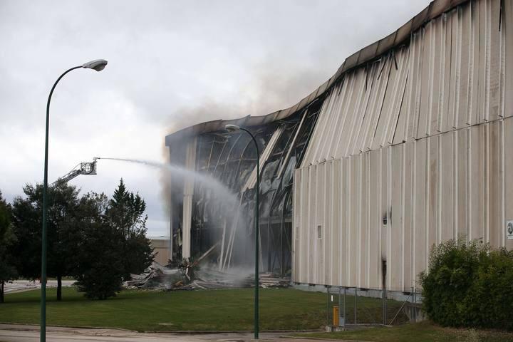 Imagen de la planta principal de la empresa cárnica Campofrío, tras el incendio en noviembre de 2014.