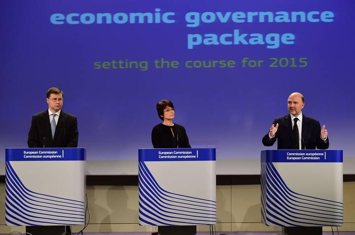 Imagen de la rueda de prensa de los comisarios Dombrovskis, Thyssen y Moscovici.
