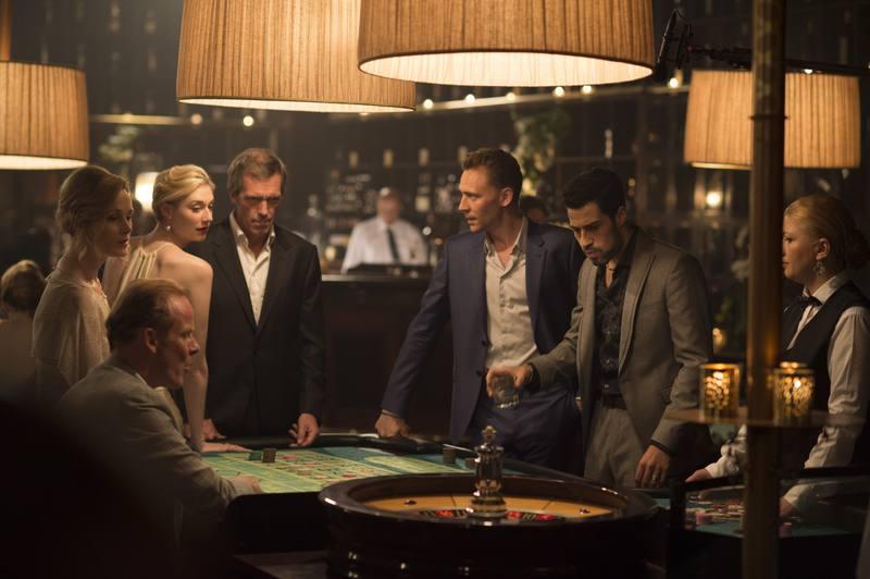 Imagen de la serie El infiltrado protagonizada por Hugh Laurie