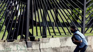 Las imágenes del asesinato a quemarropa de un joven durante las protestas en Venezuela