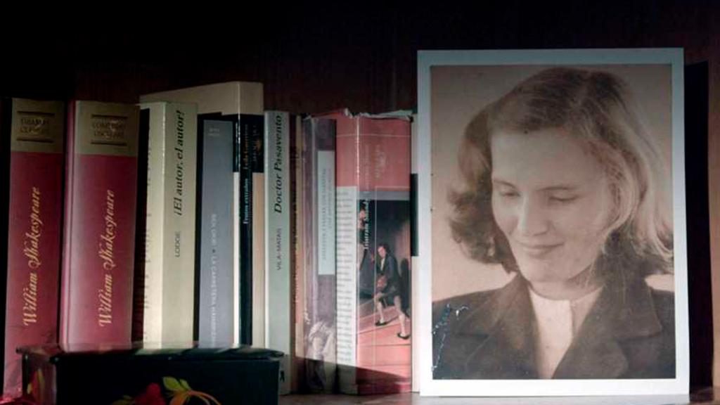 Ir al VideoImprescindibles - Carmen Laforet, la chica rara