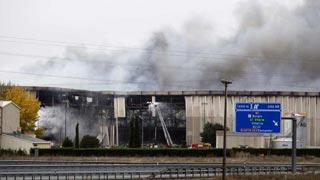 El incendio de la fábrica de Campofrío ya está completamente controlado