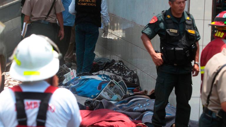 Al menos 26 muertos en un incendio en un centro de rehabilitación de Lima