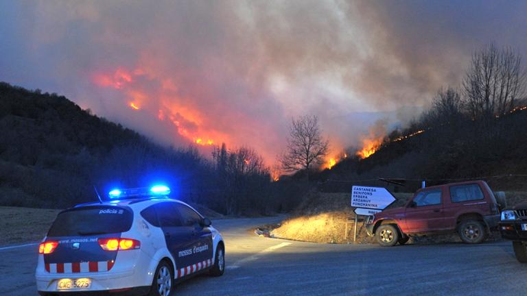 El fuego ha obligado a evacuar 14 pueblos de la comarca de la Ribagorza