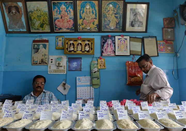 India ha aprobado el mayor plan alimentario de su historia con el que pretende dar de comer a cerca de 800 millones de personas.