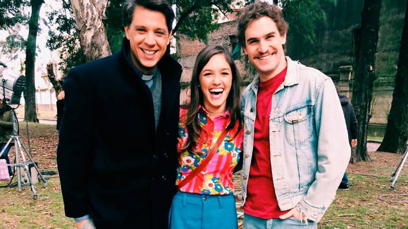 Inés y Eugenio en la adaptación argentina de Cuéntame cómo pasó