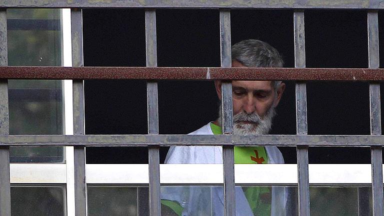 El etarra enfermo Josu Uribe-txeberria puede ser tratado en prisión