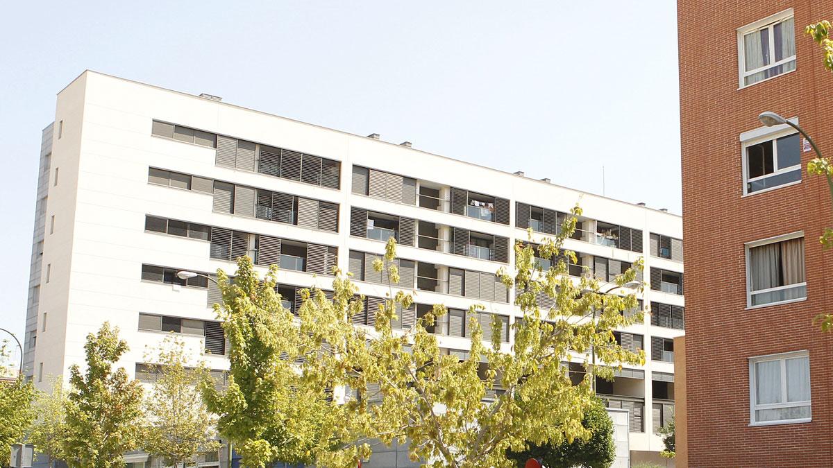 Ir al VideoLos inquilinos reciben con satisfacción la condena por vender pisos de protección de Madrid a fondos buitres