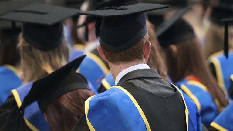 Casi la mitad de los titulados no realiza un trabajo acorde con su nivel de estudios