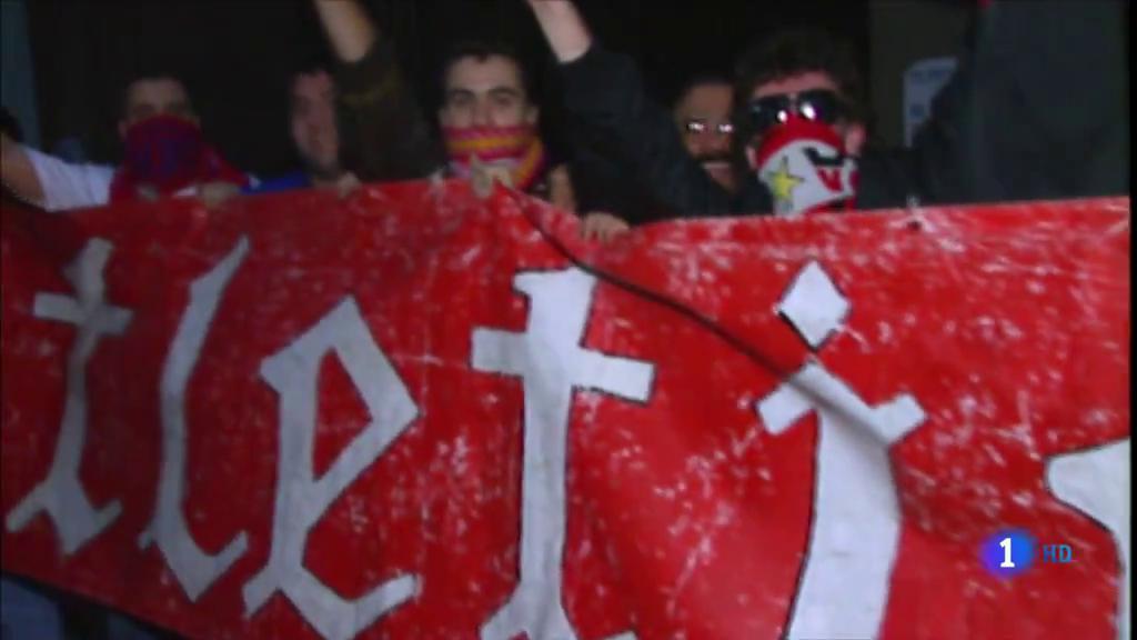 Ir al VideoLos insultos en el Rayo-Albacete y más episodios similares en el fútbol español