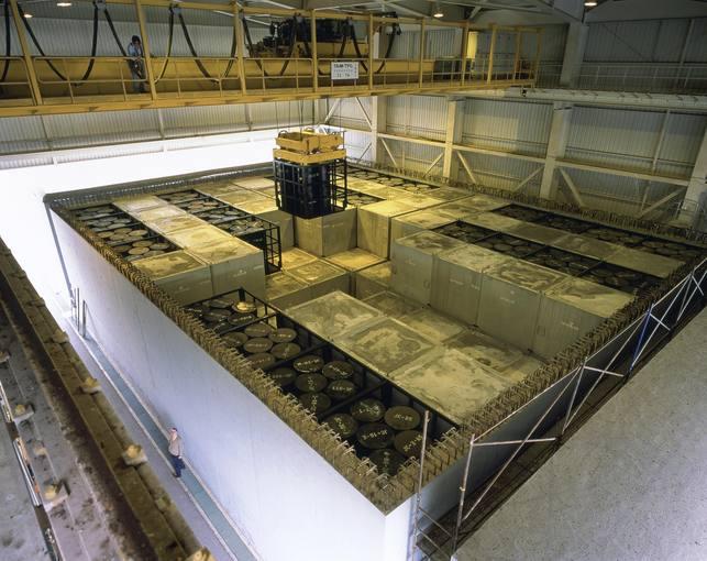 Interior de la celda de almacenamiento de residuos radioactivos en El Cabril