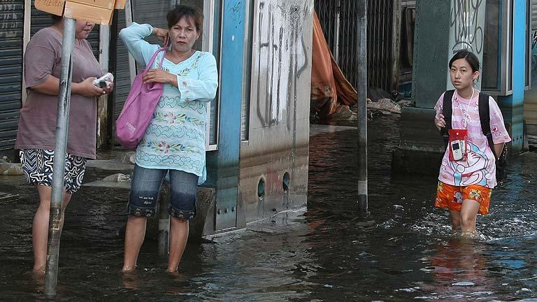 Las autoridades de Tailandia elevan a 506 los muertos por las inundaciones
