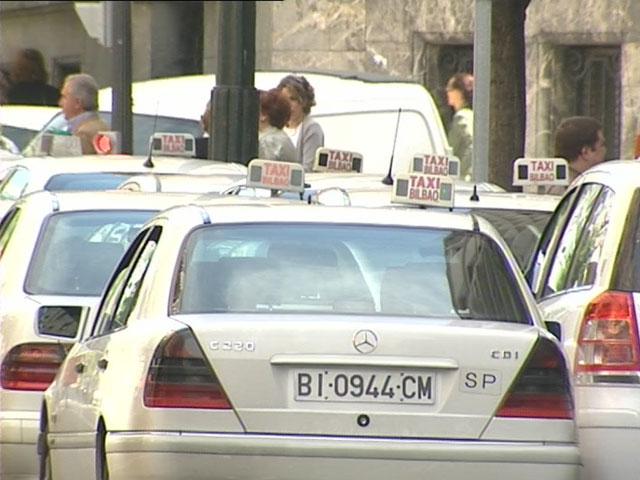 La OCU denuncia que el precio del taxi en España ha subido casi un 60%, de media, desde 2001