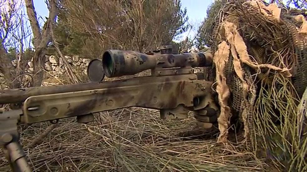 En Irak hay desplegados trescientos militares españoles y entre ellos hay varios francotiradores